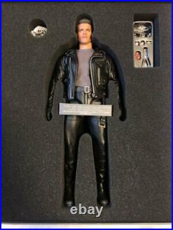 Hot Toys DX10 T-800 Terminator 2 Judgement Day MINT RARE from Japan